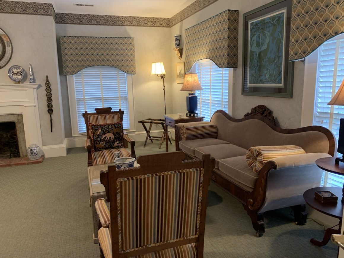 Guest Room Eight